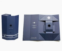 collapsible rigid box for the wine packaging